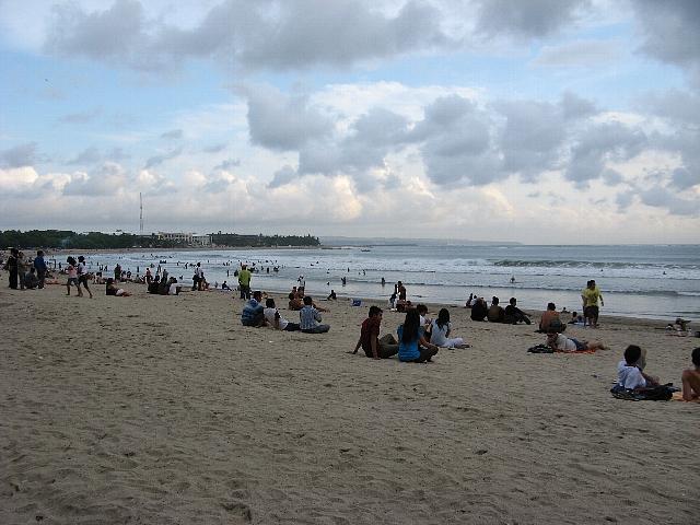 090506_kuta_beach1