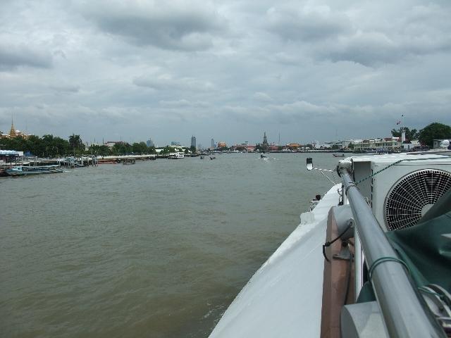 091108_090810_chao_phraya_river