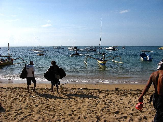 090506_sanur_beach1